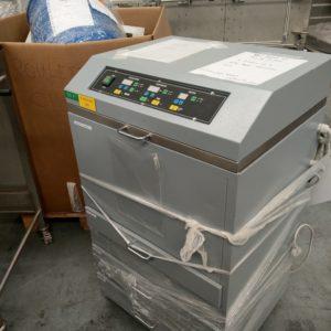 4916-machine-uv-01